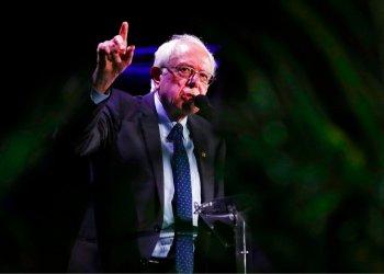 El precandidato demócrata Bernie Sanders, demócrata de Vermont, habla durante un foro el viernes 21 de junio de 2019 en Miami. Foto: Brynn Anderson / AP.