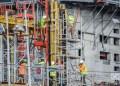 Constructores de un nuevo hotel en La Habana. Foto: Kaloian.