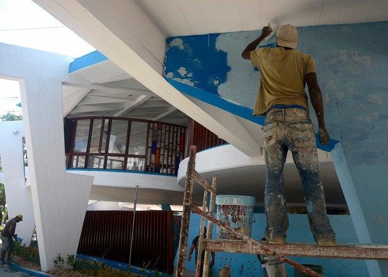 Trabajos de restauración en la heladería Coppelia, de La Habana. Foto: Juventud Rebelde.