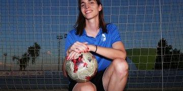 Alba Palacios, primera futbolista transgénero de España. Foto: Rafa Herrero.