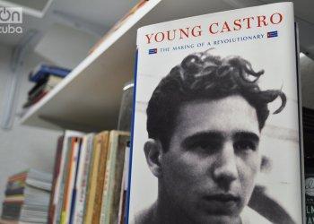 Libro Young Castro, de Jonathan Hansen. Foto: Marita Pérez Díaz.