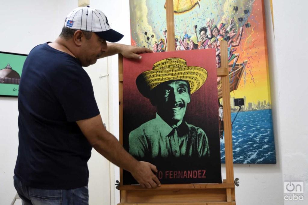 Reyneiro Tamayo con su obra Joseíto Fernández