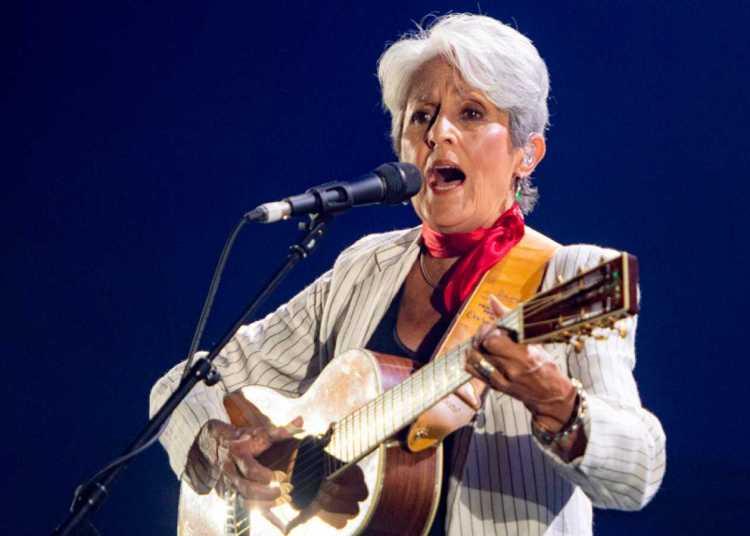 Joan Baéz durante concierto de despedida en Madrid. Foto: RTVE.es