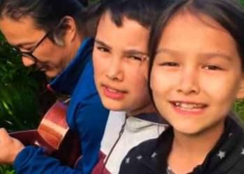 Isaac y Nora junto a su padre, Nicolás. Captura de video.