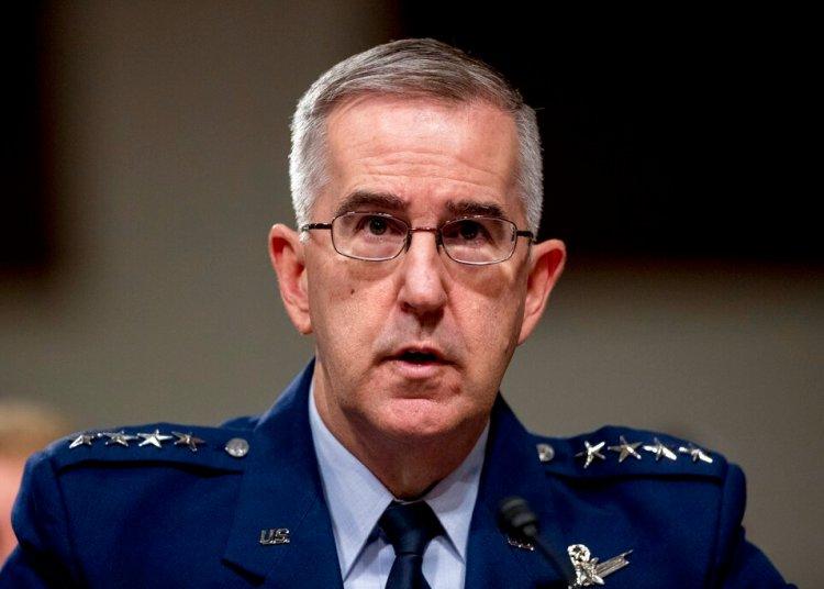 El general y comandante estratégico de Estados Unidos John Hyten declara ante el comité de Servicios Armados del Senado en el Capitolio, Washington, el 11 de abril de 2019. Foto: Andrew Harnik / AP.