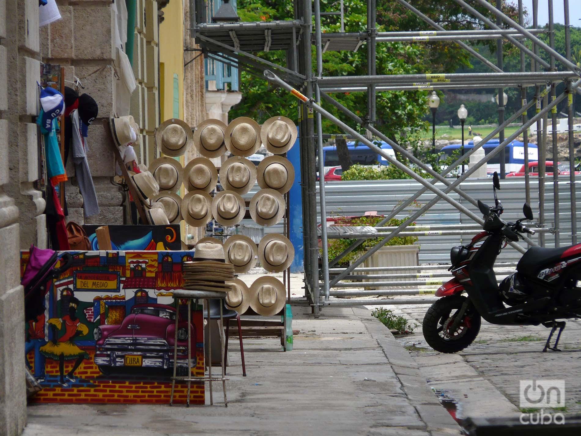 Tranque en la calle Tacón. Foto: Ángel Marqués Dolz.
