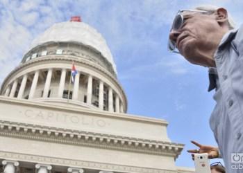 Eusebio Leal antes de la develación de la cúpula del Capitolio de La Habana, el 30 de agosto de 2019. Foto: Otmaro Rodríguez.