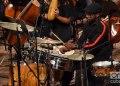 """El percusionista Tony Moreaux en el concierto """"Clásicos a lo cubano"""", en el Teatro Nacional de La Habana. Foto: Otmaro Rodríguez."""