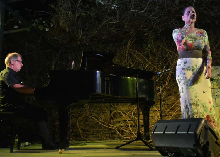 Haydée Milanés y Ernán López-Nussa en CubaCultura 2019. Foto: huelvahoy.com