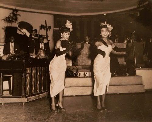 Marta Castillo y Meche Lafayette, de Las Mulatas del Fuego primigenias. Tropicana antiguo. Finales de los 40.