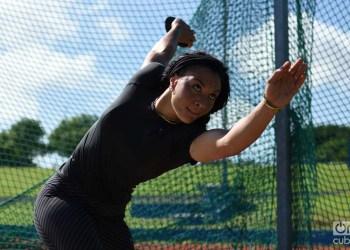 Yaimé Pérez, una de las favoritas al título panamericano en Lima, durante un entrenamiento en La Habana antes de los Juegos Panamericanos. Foto: Otmaro Rodríguez