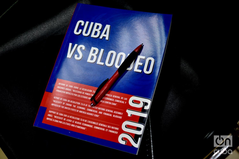 Informe de Cuba sobre la proyecto de resolución cubana contra el embargo estadounidense a la Isla, que será presentada a inicios de noviembre ante la Asamblea General de la ONU. Foto: Otmaro Rodríguez.