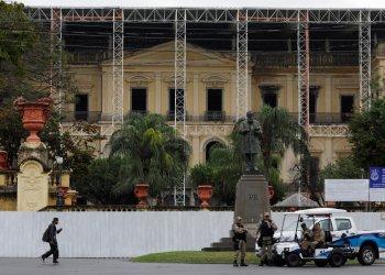 Reconstrucción del Museo Nacional en Río de Janeiro, Brasil. Foto: Silvia Izquierdo/AP.