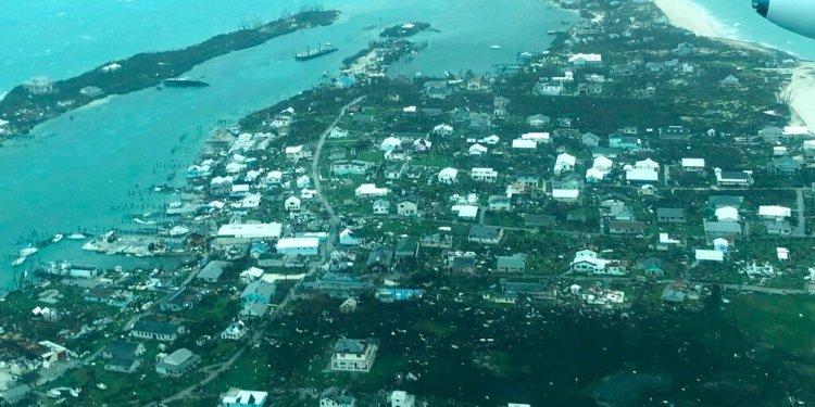 Una imagen aérea proporcionada por Medic Corps muestra la destrucción provocada por el  huracán Dorian en Cayo Man-o-War, Bahamas, el martes 3 de septiembre de 2019. (Medic Corps via AP)