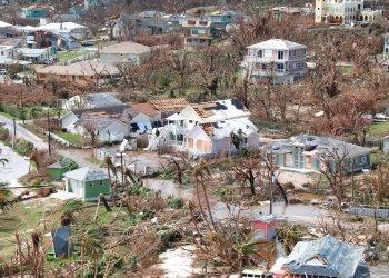Esta imagen aérea muestra la destrucción causada por el huracán Dorian vista desde el aire en Marsh Harbor, la Isla de Ábaco, Bahamas, el miércoles 4 de septiembre de 2019. Foto: Gonzalo Gaudenzi / AP / Archivo.