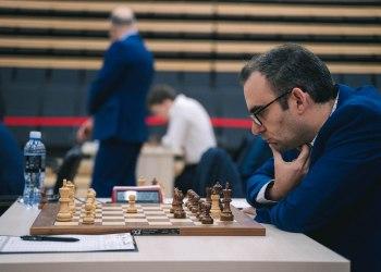 Leinier Domínguez se sacó varios ases bajo la manga y avanzó a la cuarta ronda de la Copa del Mundo. Foto: FIDE