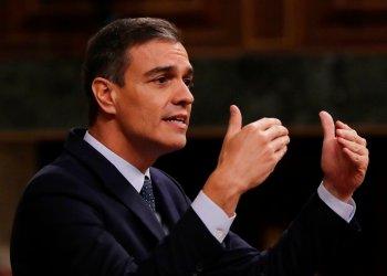 En esta fotografía del martes 23 de julio de 2019, el presidente del gobierno de España, Pedro Sánchez, habla en el parlamento español en Madrid. Foto: Manu Fernández / AP / Archivo.