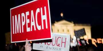 Manifestantes contra Trump frente de la Casa Blanca en 2018. Foto: Bill Clark / CQ Roll Call/AP.