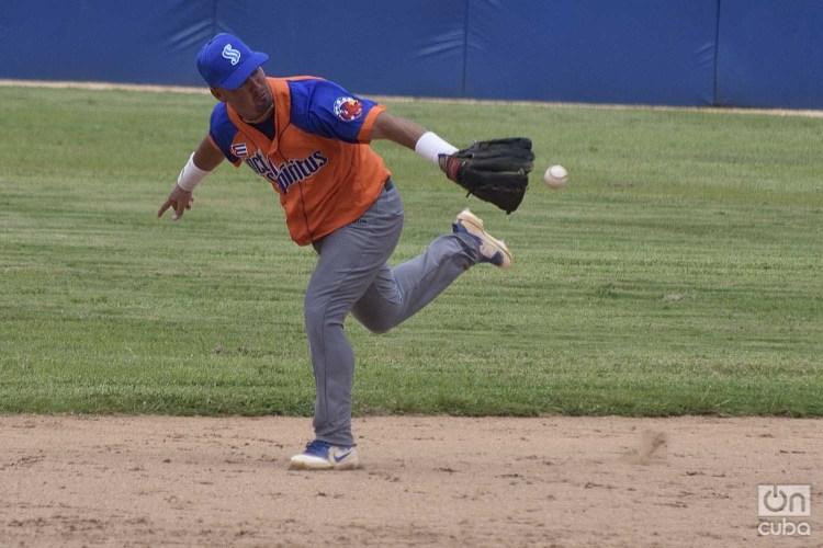 Los Gallos espirituanos se sostienen en los puestos de avanzada y apuntan por segundo año consecutivo a la ronda élite del béisbol cubano. Foto: Otmaro Rodríguez.