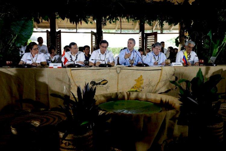El presidente de Colombia, Iván Duque, habla durante una cumbre con los gobernantes de varios países sudamericanos que comparten la Amazonía en Leticia, Colombia, el viernes 6 de septiembre de 2019. (AP Foto/Fernando Vergara)