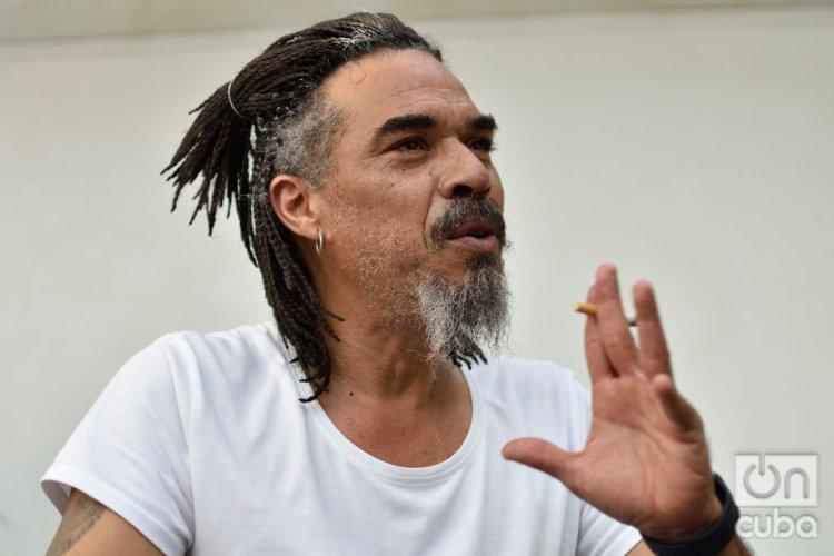X Alfonso, músico y compositor cubano, ofrece entrevista a OnCuba