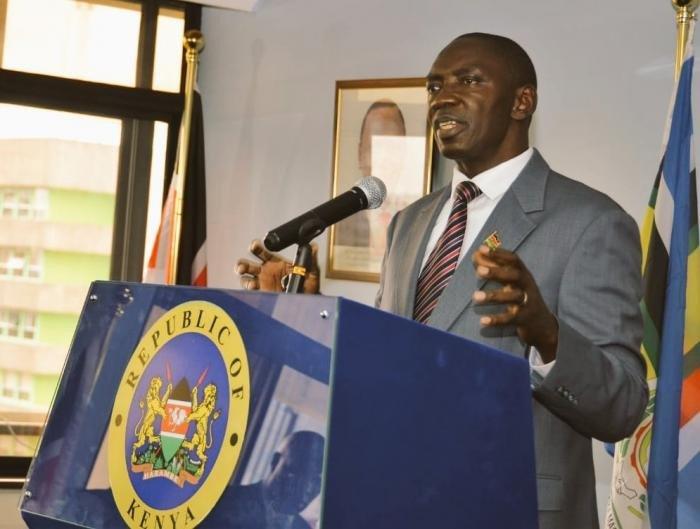 Cyrus Oguna, portavoz del Gobierno keniano