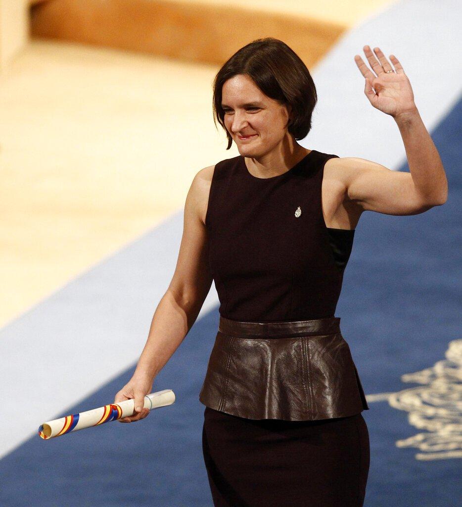 La francesa Esther Duflo tras recibir el premio Princesa de Asturias a las Ciencias Sociales. Foto: José Vicente/AP/Archivo.