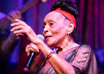 Omara Portuondo. Foto: blurredculture.com