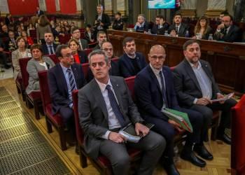 Los doce líderes catalanes sentenciados, durante el juicio. Foto: Emilio Naranjo/EFE.