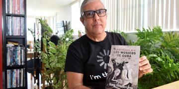 Ramón Fernández-Larrea-libro-Kabiosiles. Los músicos de Cuba. Foto: EFE/Jorge I. Pérez