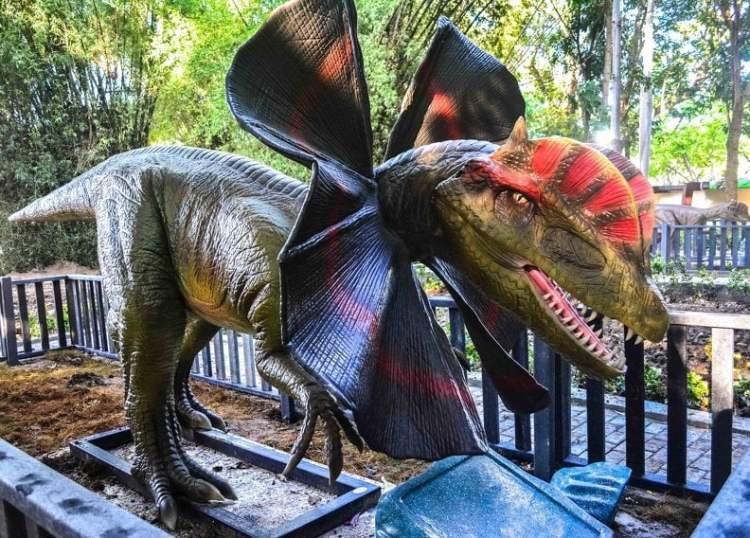 Réplica animada de dinosaurio, instalada en el Parque Forestal de La Habana, que reabrió sys puertas el domingo 17 de noviembre de 2019. Foto: Yaciel de la Peña / ACN.