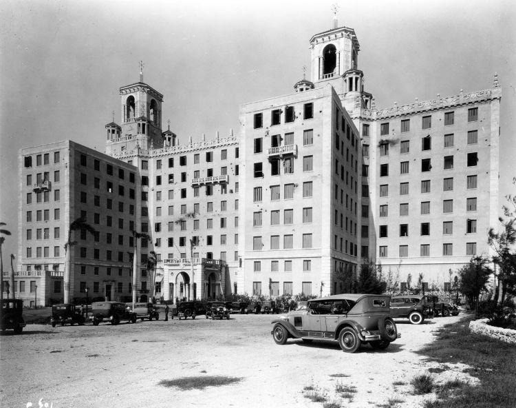 Hotel Nacional de Cuba, La Habana, foto tomada después del bombardeo de octubre de 1933 (McKim, Mead & White Architectural Records Collection, Departamento de Impresiones, Fotografías y Colecciones Arquitectónicas, Museo y Biblioteca de la Sociedad Histórica de Nueva York) .