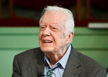 En esta imagen del domingo 3 de noviembre de 2019, el expresidente Jimmy Carter en la escuela dominical en la Iglesia Bautista Maranatha de Plains, Georgia. (AP Foto/John Amis)
