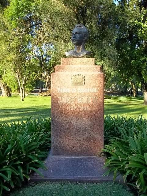 El busto robado, del escultor cubano Alberto Lescay.