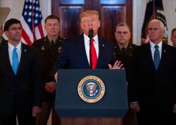 El presidente Donald Trump da un mensaje a la nación desde la Casa Blanca sobre el conflicto armado con Irán, el miércoles 8 de enero de 2020. (AP Foto/ Evan Vucci)