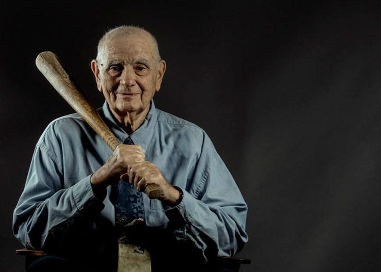 Ismael Sené ha sido uno de los más genuinos exponentes del proceso de rescate y conservación de la memoria histórica del béisbol cubano. Foto: Play Off Magazine.