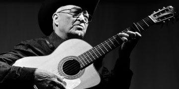 Eliades Ochoa. Foto: Perfil de Facebook del músico.