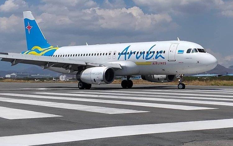 El embajador cubano en Guyana, Narciso Armador Socorro, informó este viernes a la prensa que Aruba Airlines enviará un avión a últimas horas de hoy y otro mañana sábado. Foto: @ArubaAirlines/Twitter