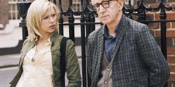 "La actrizScarlett Johanssoncon Woody Allen, en ""Amor y Muerte"" (2006)."