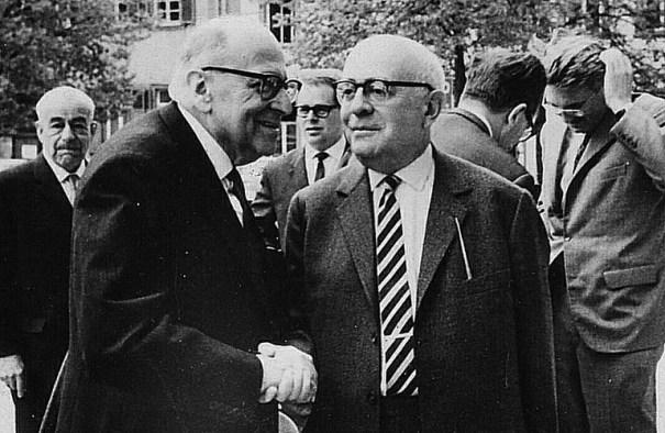 Max Horkheimer ve Theodor Adorno 1964
