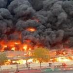 Emiratos Árabes Unidos: se registra un enorme incendio en un mercado de Ajmán