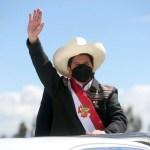 El presidente de la República, Pedro Castillo, juró hoy de manera simbólica al cargo, en la histórica Pampa de la Quinua