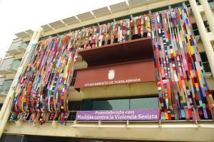 MADEJAS CONTRA VIOLENCIA SEXISTA LANAS FACHADAS (1)