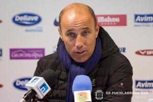 Antonio Calderón renueva una temporada más con el CF. Fuenlabrada