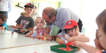2.300 niños se están beneficiando de las Fuenlicolonias