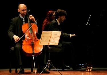 Concierto para piano y violonchelo, dentro del programa Toca la Música