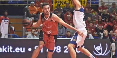 Un descomunal Marc García guía al Montakit a la victoria