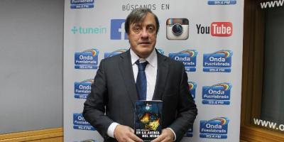 """Luis Zafra presenta su libro """"En la jauría del muro"""""""