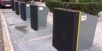 El Ayuntamiento recuerda el deber de introducir los residuos en el interior de los contenedores