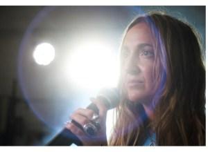 Paula Mattheus estrena su tercer single